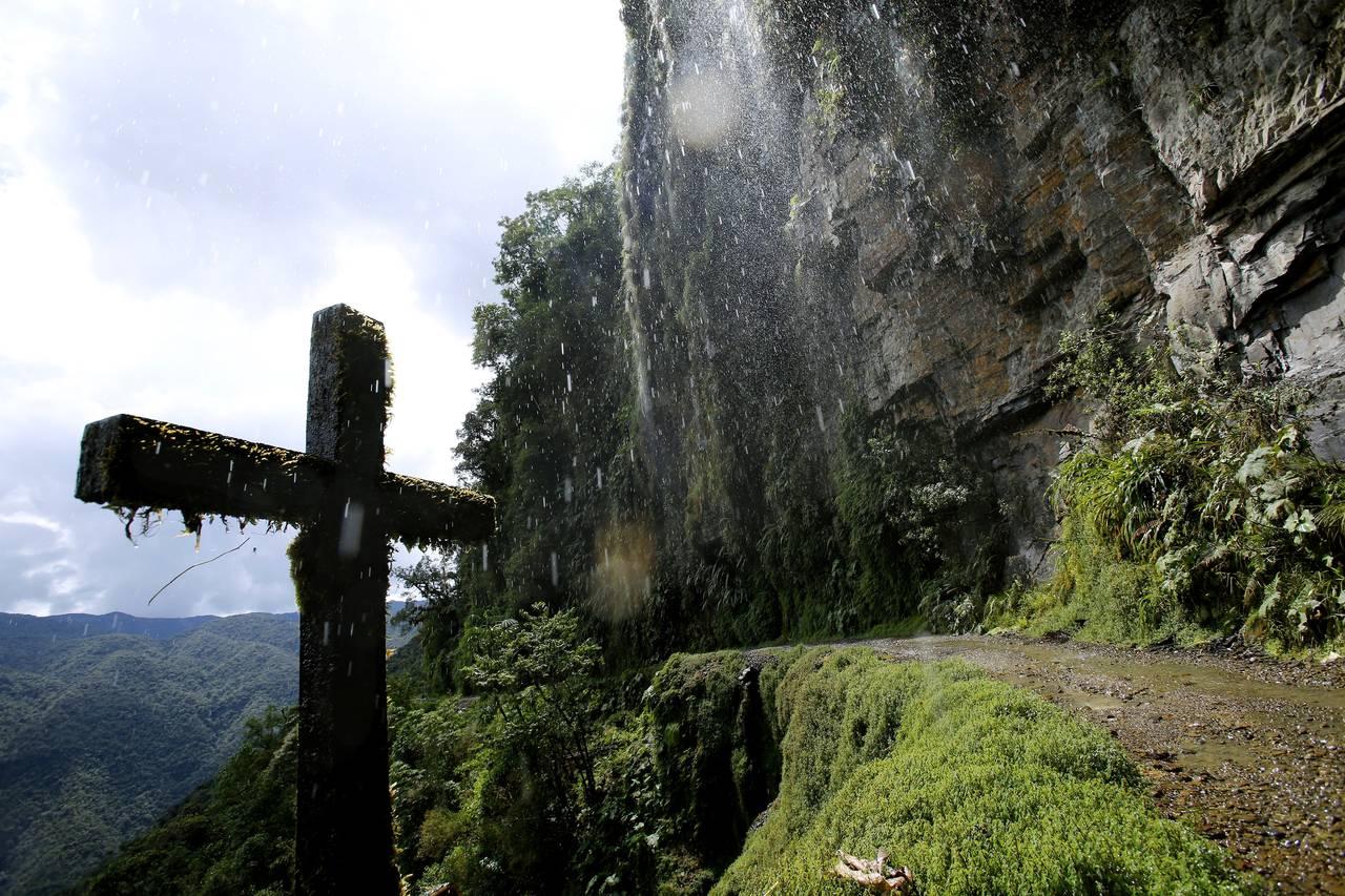 Death Road Bolivia Cross