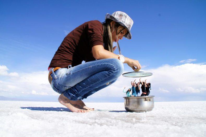 Foto pespectiva no Salar de Uyuni