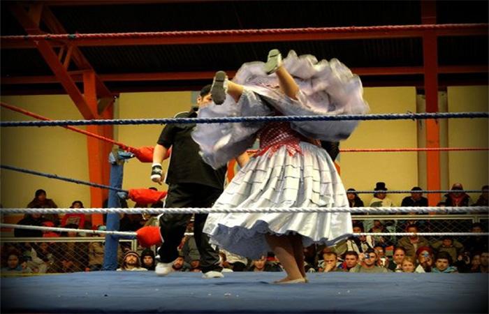 la paz bolivia - cholita women wrestling