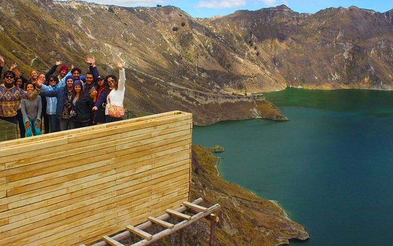 quilotoa-volcano-group-photo