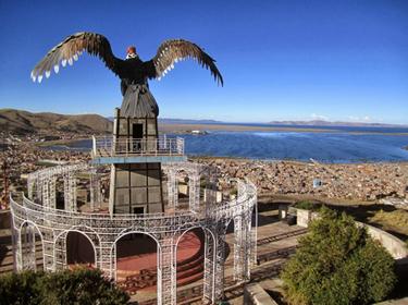 Puno a La Paz de onibus - estatua sobre Puno