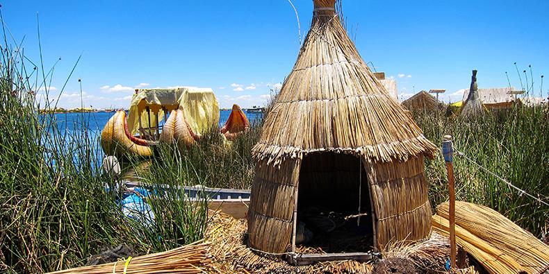 totora houses